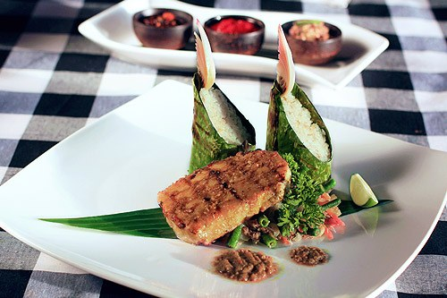 Romantic Dinner Pencar Authentic Balinese Seafood Grill